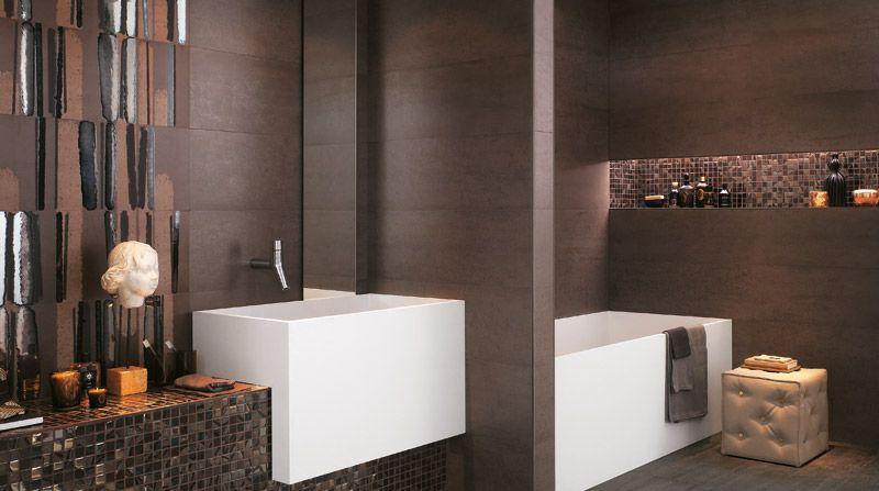 Modernes Badezimmer Mit Cremefarbenen Fliesen · Braun Gefliestes  Designbadezimmer